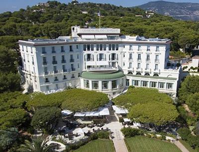 GRAND-HOTEL À SAINT-JEAN-DU-CAP-FERRAT : CHIC, LUXE ET GLAMOUR SUR LA COTE D'AZUR